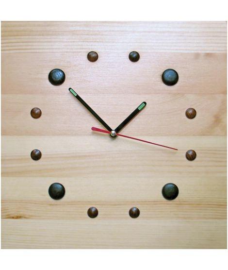 Интересные часы Кнопочки