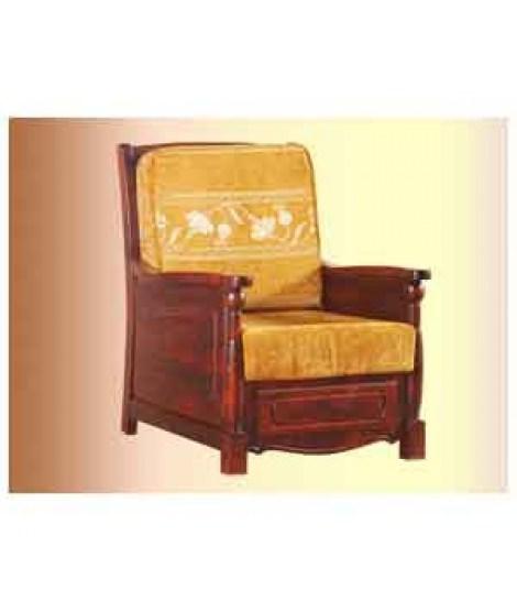 Красивое кресло ОВ 07.02 из массива дерева
