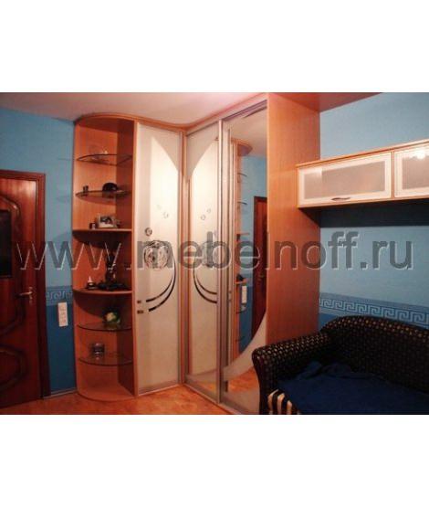 Угловой шкаф купе для молодежной комнаты (модель 28)